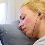 乾燥にご用心!フライト中の肌を守る機内美容のコツ