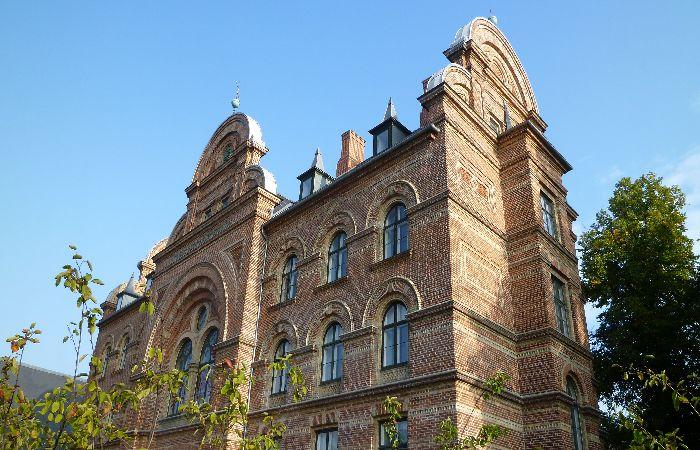 煉瓦つくりの美しい建物