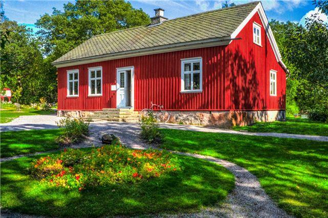 北欧の赤い家