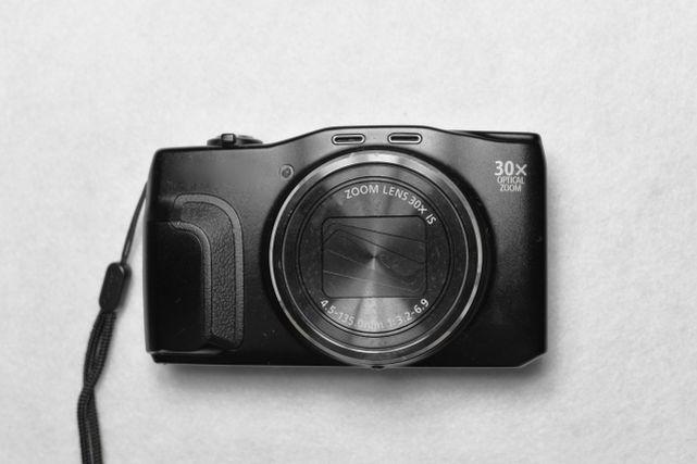デジタルコンパクトカメラ